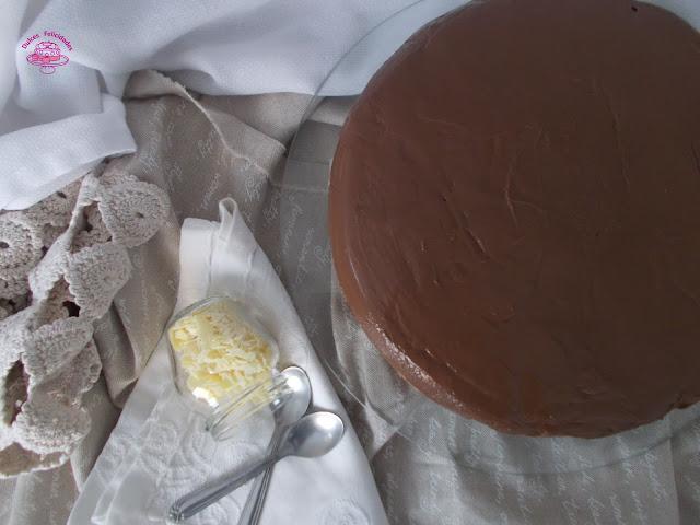 Tarta marquesa de chocolate venezolana