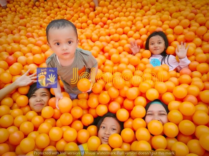 Harga Tiket Masuk The Centrum Million Balls Wisata Selfie Bandung