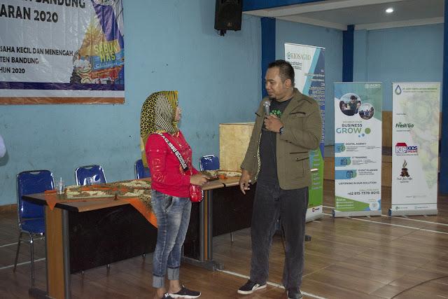 Hadiyan Nur Sofyan sewaktu Pelatihan Kewirausahaan Bersama Kiosagro di GOR Kantor Desa Banjaran