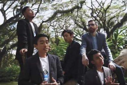 Lirik Dan Artinya  Syubbanul Muslimin - Ya Atuna Dunya Feat Adam Ali