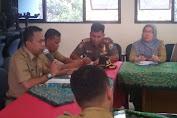 Camat Tambora Djaharuddin Pimpin Rapat Mingguan Bersama Lurah