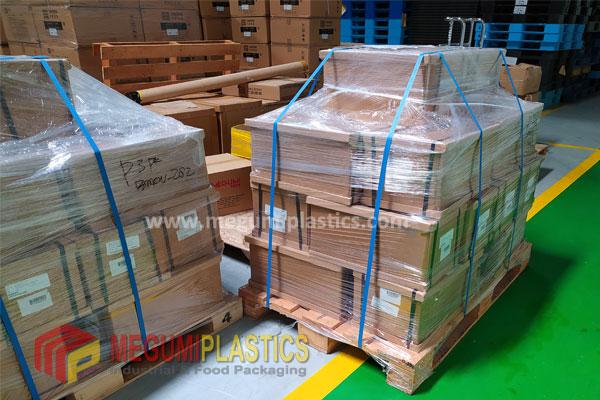 Peranan Pallet Plastik, Stretch Film, Strapping Band Dalam Packing Barang