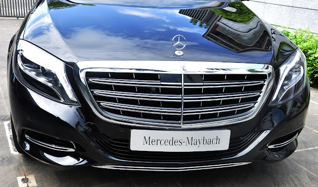 Thanh la zăng Mercedes Maybach S500 thiết kế rộng làm tăng thêm sự mạnh mẽ, lịch lãm