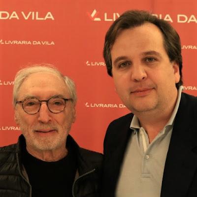 Percival Lafer e Jean Tosetto (quem?) durante lançamento do Guia Suno de Contabilidade para Investidores na Livraria da Vila do Shopping JK, em São Paulo.