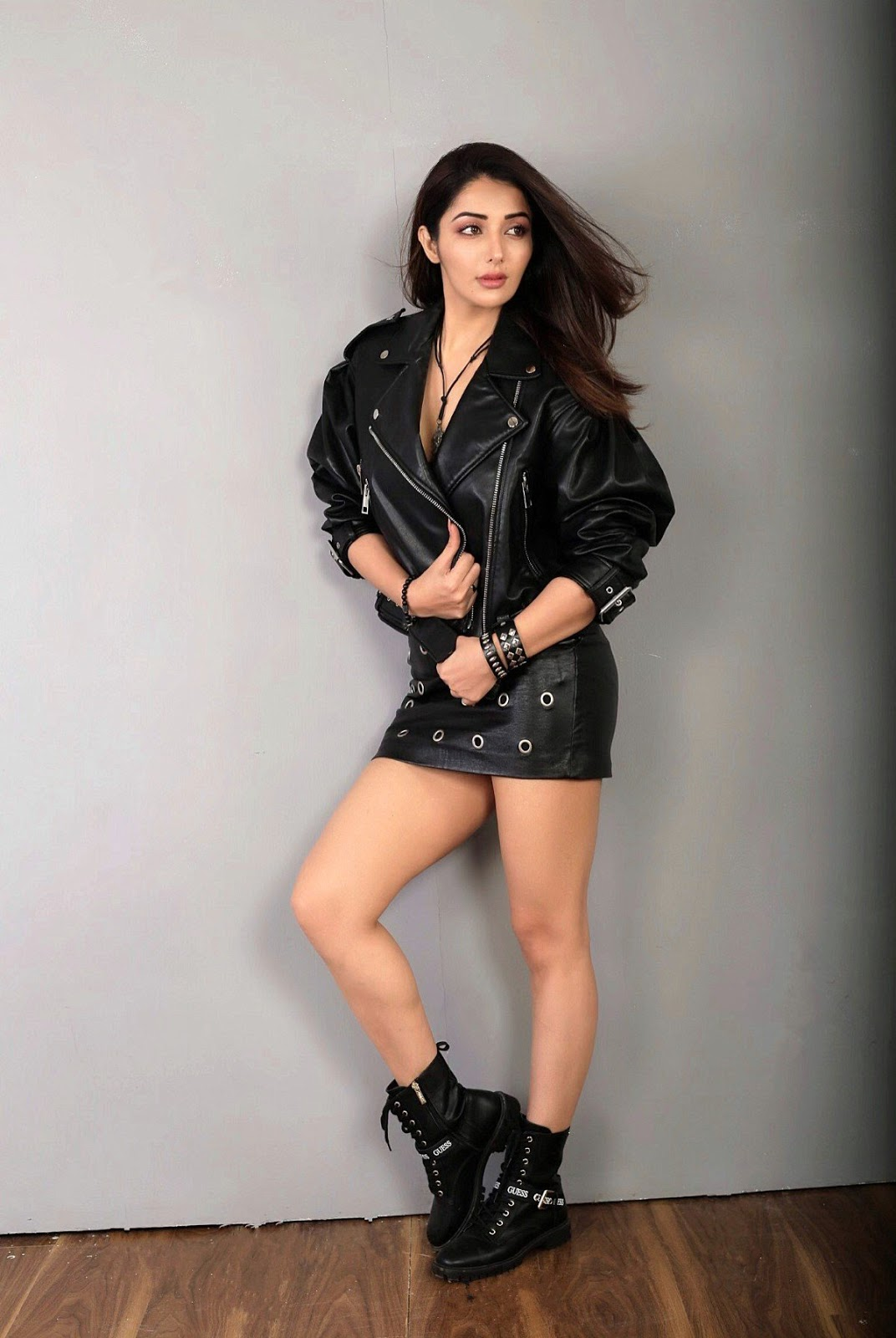 Sonia Mann Thunder Thigh Hot Photoshoot In Leather Dress ...