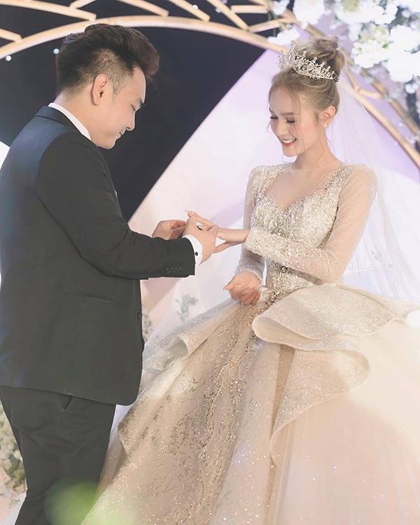 Xoài Non có gì mà chiếm trọn trái tim Xemesis, streamer giàu nhất Việt Nam