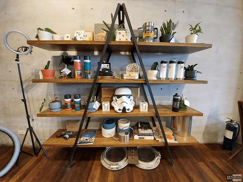 Ultra-wide-camera indoors