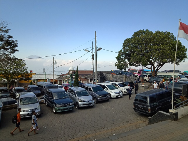 Candi Gedong Songo, Semarang Jawa Tengah - parkir