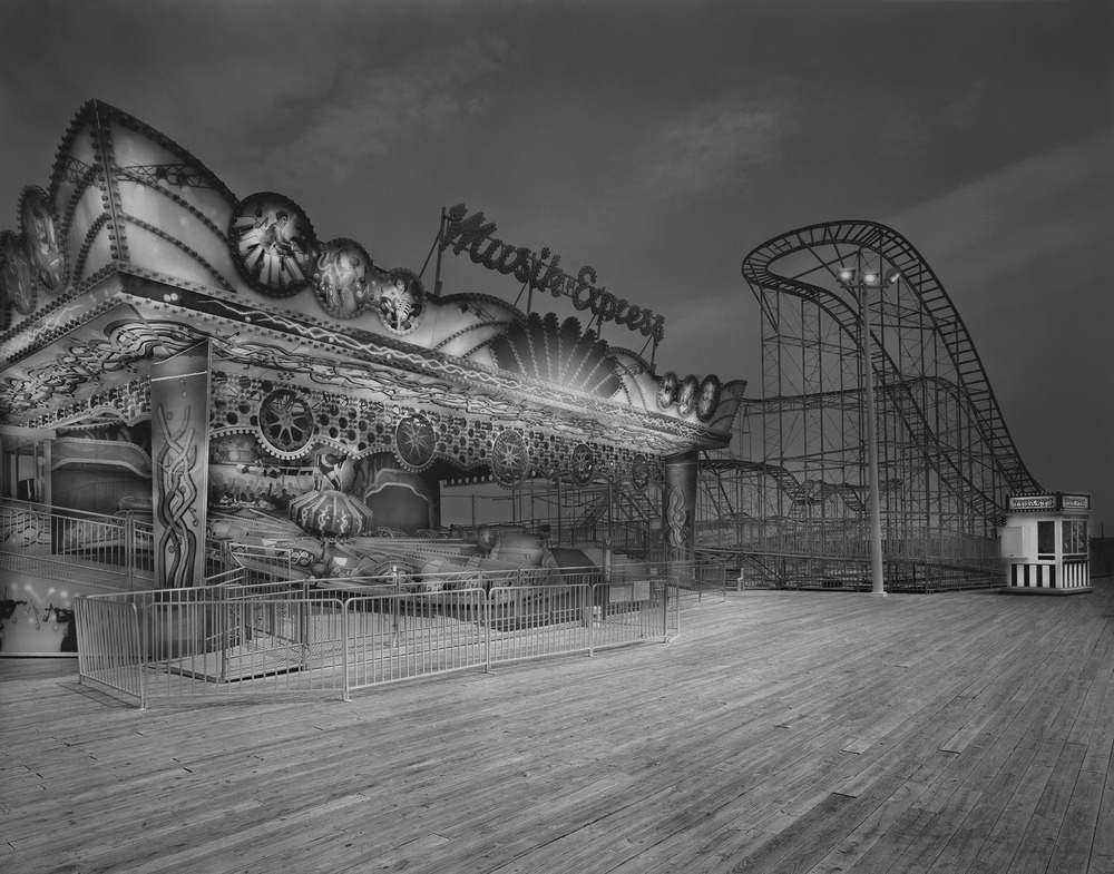 04-Musik-Express-Michael-Massaia-Black-and-White-Photographs-Funfair-and-Pinball-Machine-www-designstack-co