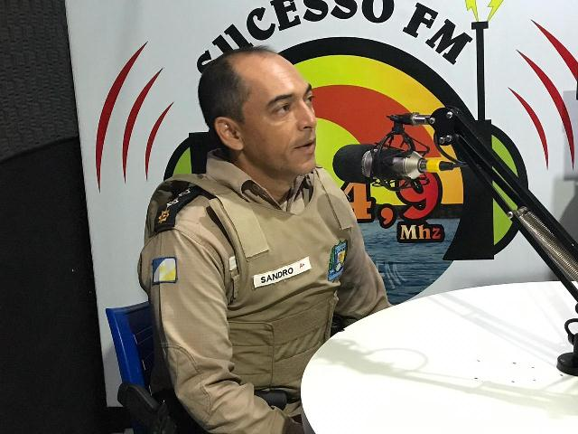 9º BPM aborda sobre o projeto de videomonitoramento na rádio Sucesso FM de Araguatins