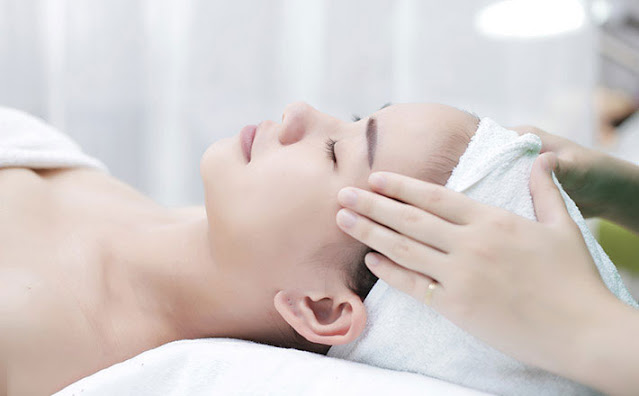 Massage vùng trán để làm giảm triệu chứng của bệnh rối loạn tiền đình