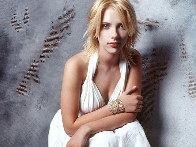 Scarlett Johansson wallpapers for mobile