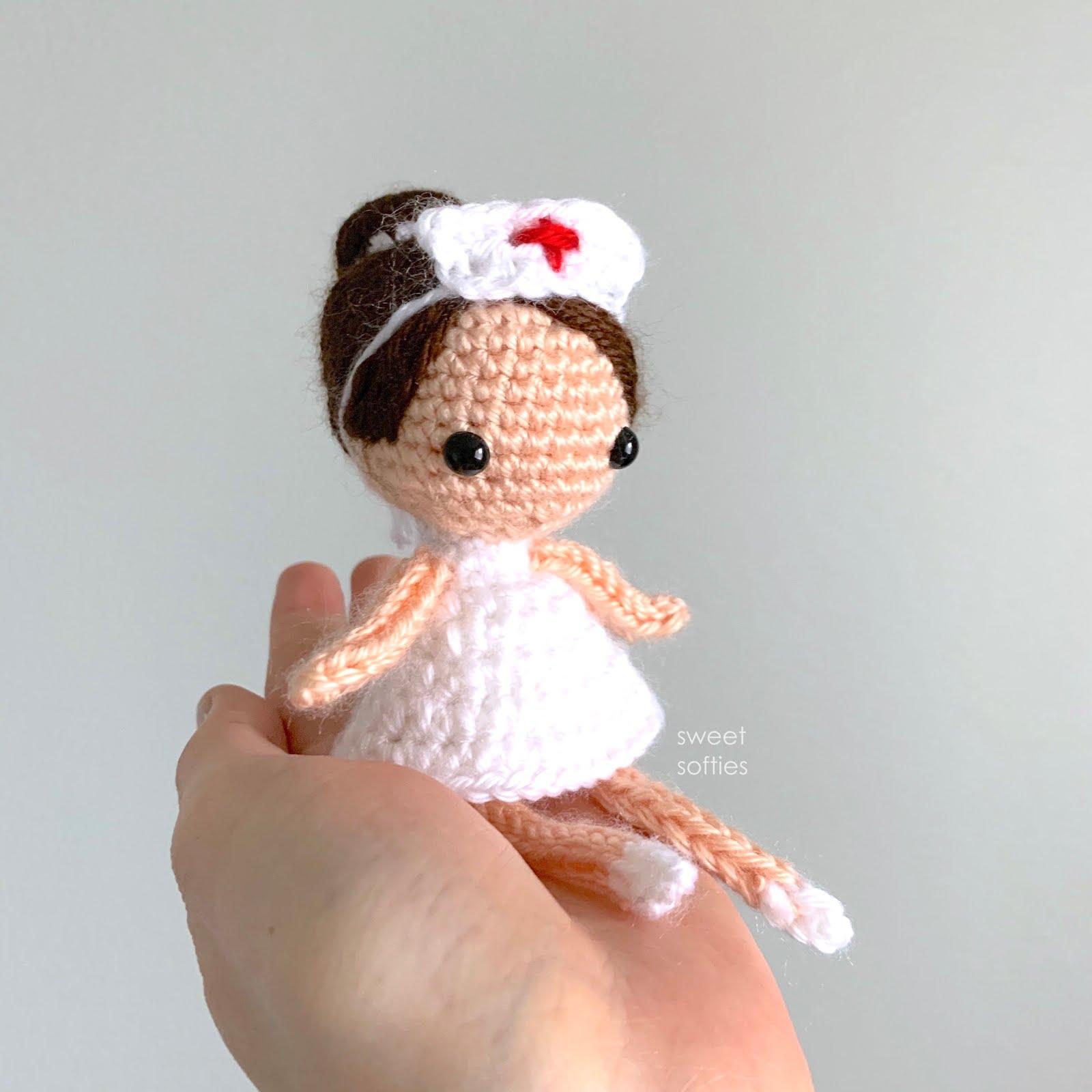 Female Doctor Amigurumi Pattern - Sueños Blanditos   1600x1600