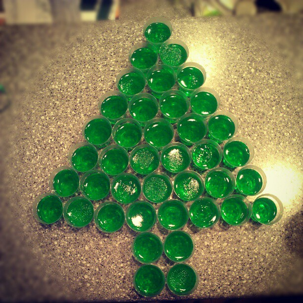 BEAUTY & THE BEARD: THAT ONE TIME I MADE A TREE OUT OF JELLO