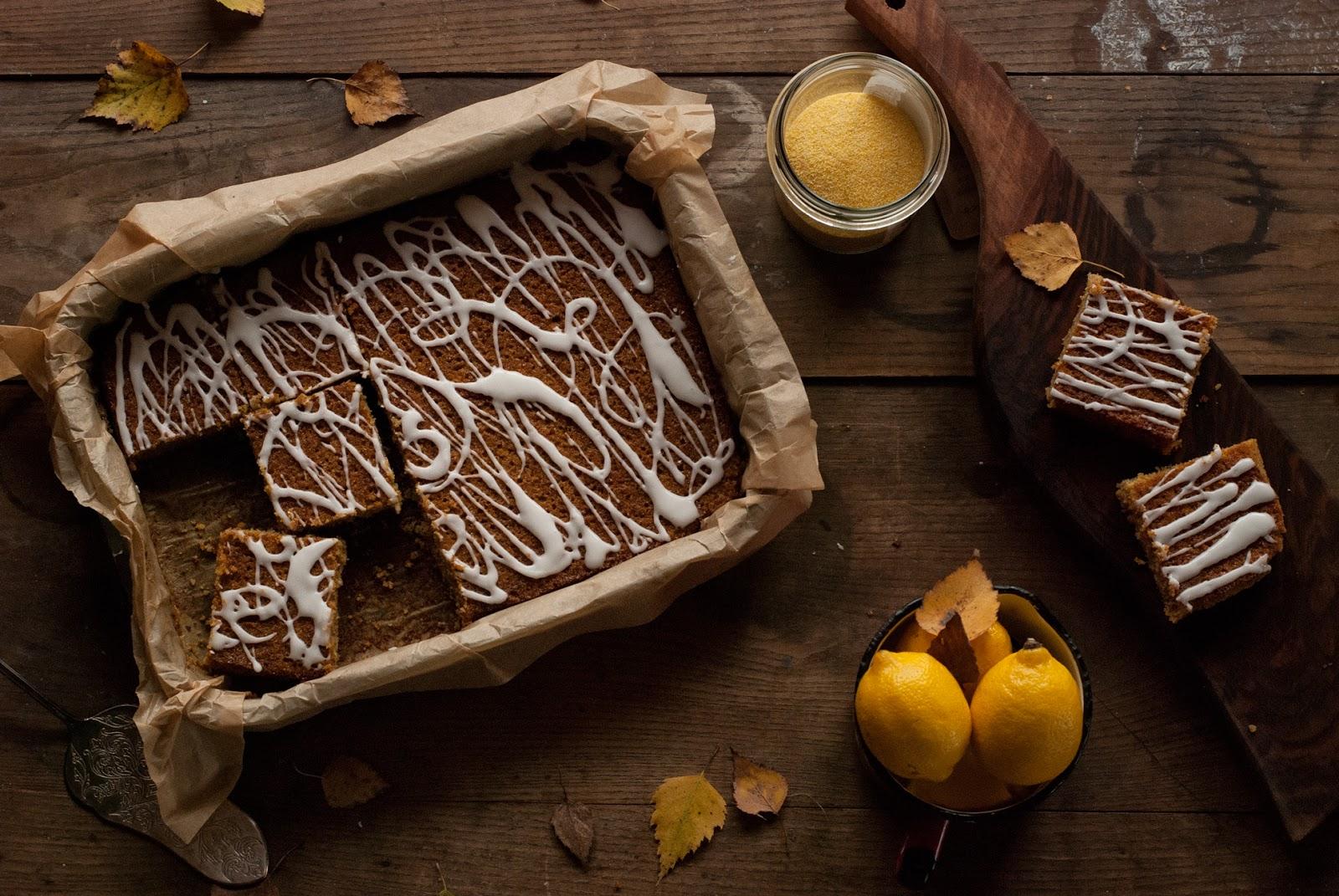 Bezglutenowe ciasto cytrynowe z lukrem