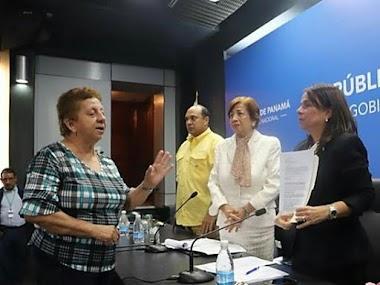 Primer encuentro de la Unión Nacional de Educadores de Panamá con la ministra de Educación