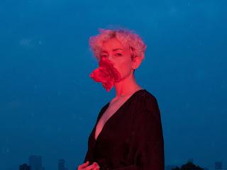 """Paz Court anuncia su nuevo album y comparte videoclip de """"Un día planté una rosa"""" (feat. Natisú)"""