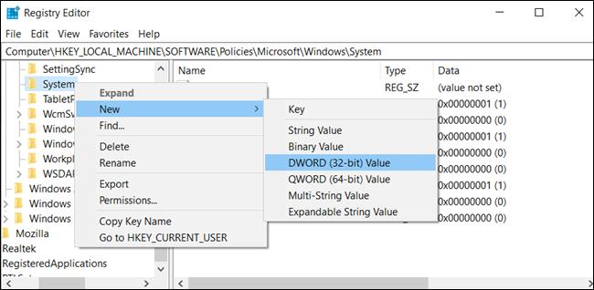 قم بإنشاء قيمة DWORD جديدة (32 بت) في مفتاح النظام.