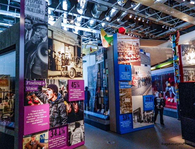 Exposição sobre a história de Liverpool no Museu de Liverpool