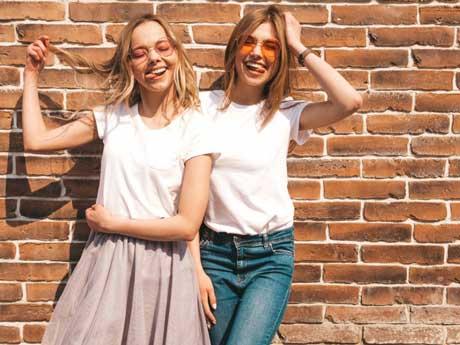 kado untuk tukar kado perpisahan sekolah baju couple