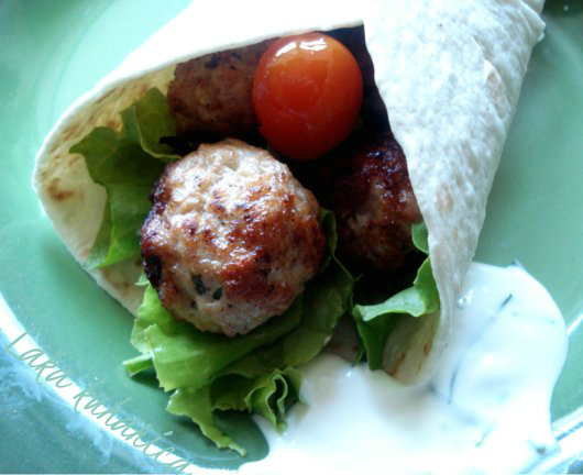 Recipe for Turkey meatballs tortilla wrap by Laka kuharica: healthy version of the delicious classic.