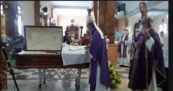 Iglesia católica salvadoreña condena asesinato de sacerdote