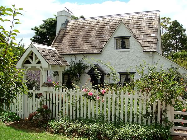 Pretty Cottages... - All things nice... Quaint English Cottages