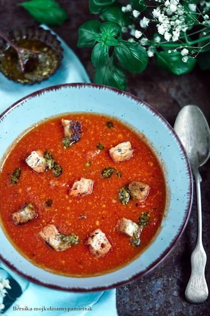 pomidory, maslo orzechowe, pesto, zupa, obiad, bernika, kulinarny pamietnik