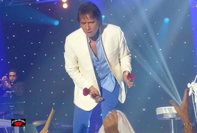 """Roberto Carlos propagou em uma das suas canções que """"O amor é a moda"""". Agora a Pantone chegou à conclusão que o azul é a tonalidade do sucesso."""