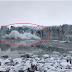"""[VIDEO] Glaciar colapsa na Islândia e cria onda que quase """"engole"""" turistas"""
