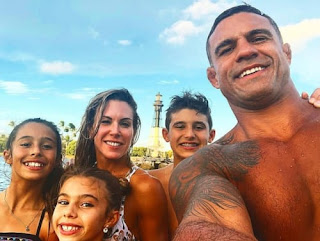 Vitor Belfort With His Family