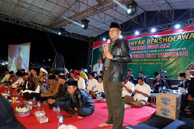 KodimKaranganyar - Rayakan HUT TNI Warga Karanganyar Gelar Sholawat Bersama
