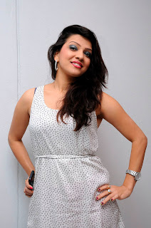 parinithi latest stills db6bdd1d