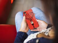 Piros iPhone hátlap