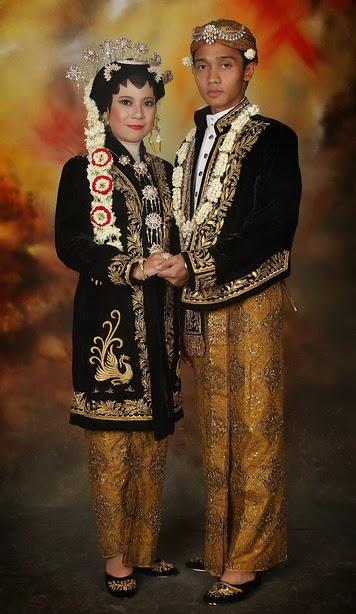 Kumpulan Foto Model Baju Kebaya Jawa Tengah - Trend Baju ...