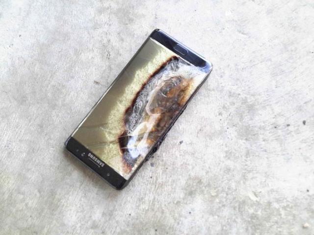 خسارة 1,400 دولار بسبب انفجار هاتف نوت 7
