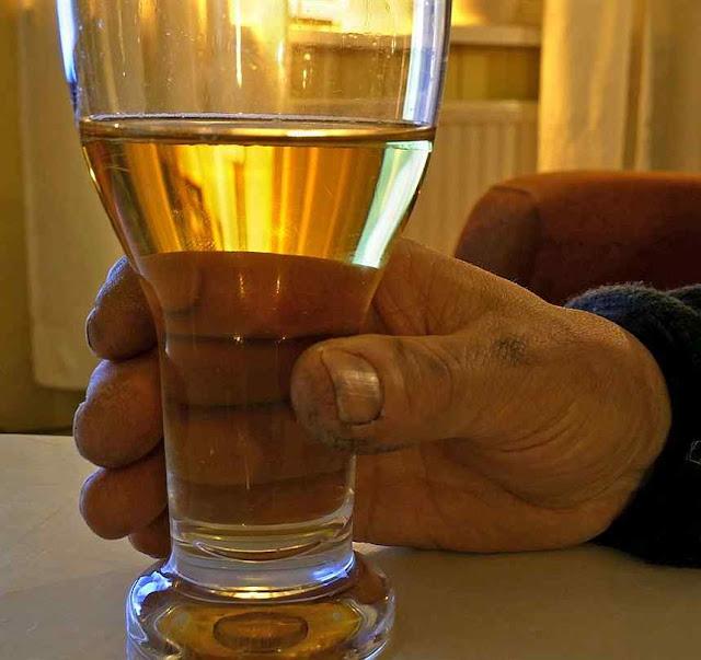 Alto consumo de alcool e violência familiar na Finlândia.