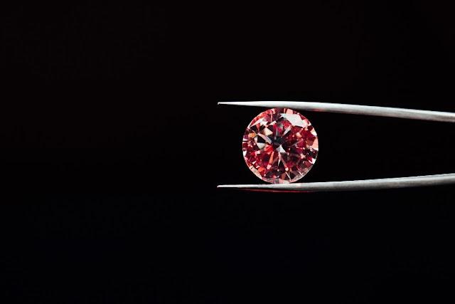 Красный бриллиант