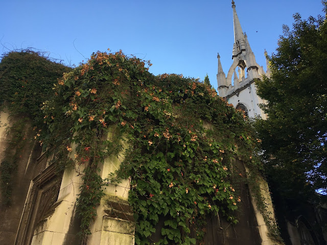 Saint Dunstan in the East Church Garden London tips