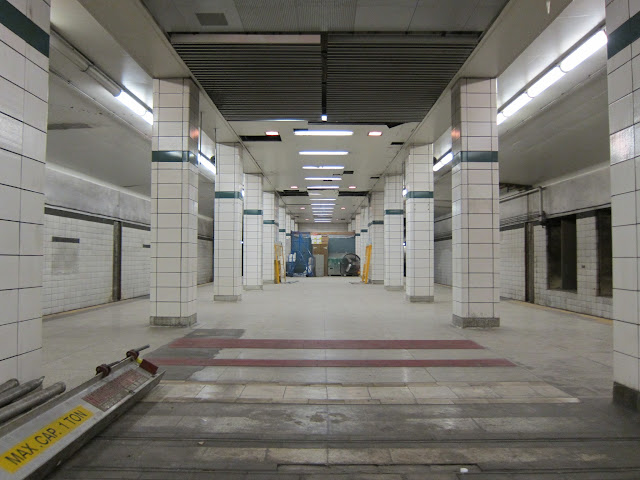 Bay Lower platform view