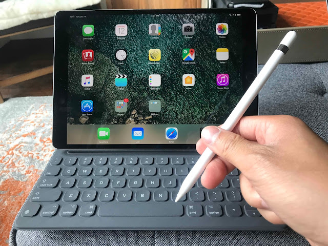 Apple iPad Smart Connector and Pencil