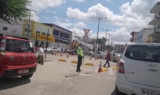 INSEGURANÇA! Assaltante atinge funcionário de loja no centro de GBA; Acusado fugiu