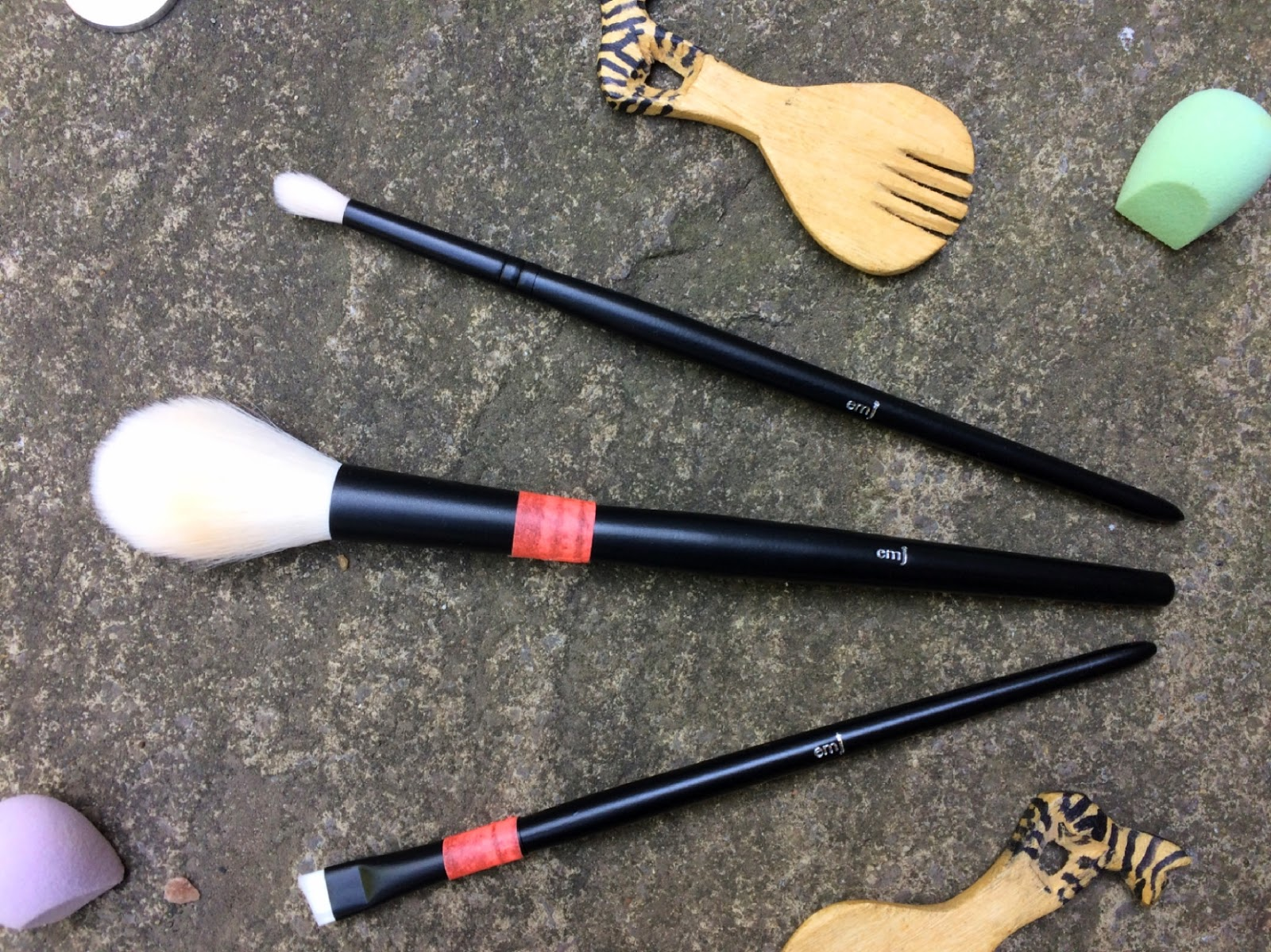 emJ company brushes
