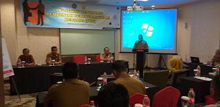 Plt Kadisnakertrans Provinsi Jambi Membuka Secara Resmi Pelatihan Berunding Pembuatan Kerja Bersama.