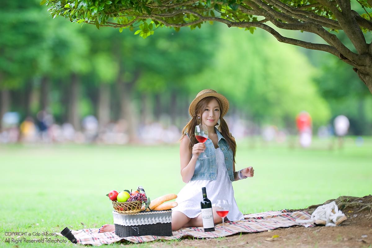 Cute Asian Girl Picnic With Han Ji Eun-6620