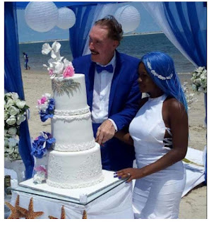 Nigerian Woman Gets Married To An Elderly White Man At A Beach In Lagos [Photos]