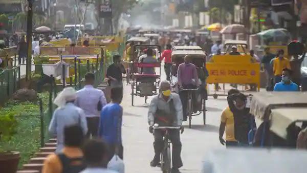 कोविद -19 उछाल की जांच के लिए आज से दिल्ली में लगाया गया रात का कर्फ्यू