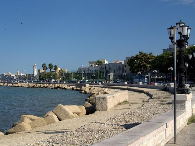 promenada wzdłuż morza Bari, co zobaczyć?