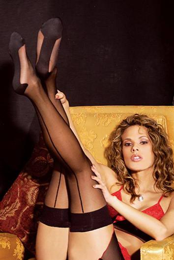 adfb2be4d Vale a pena investir em pelo menos uma peça mais sensual para o seu closet  de lingerie.