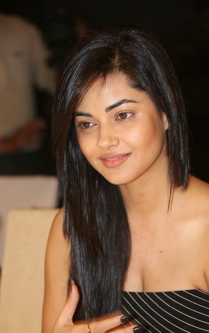 Meera Chopra nudes (95 photos) Cleavage, iCloud, cleavage